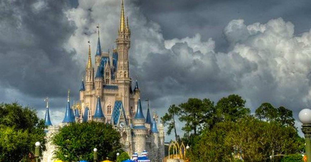Disney Do Usually Close The Castle In A Hurricane