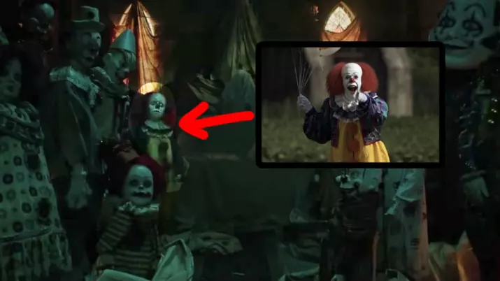 One Of The Clowns Look Like1990 Version Of Pennywise Played By Tim Curry