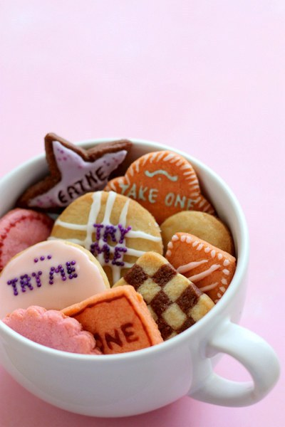 The Magical Cookies From Alice in The Wonderland 1