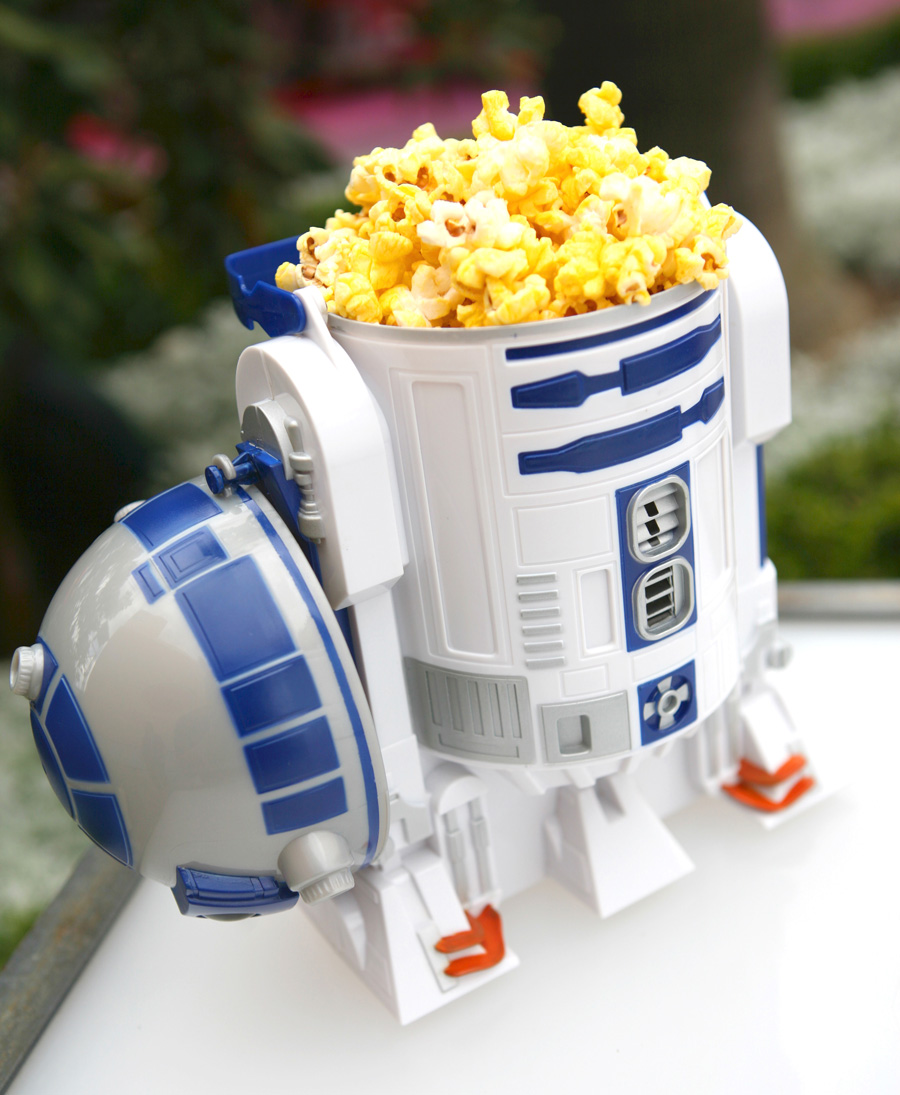 R2-D2 Has His Head Full of Popcorn Too